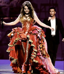 Mario performs 'Canto Della Terra' with Sarah Brightman on her Symphony World Tour in 2008